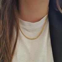 שרשרת זהב לאישה עדינה