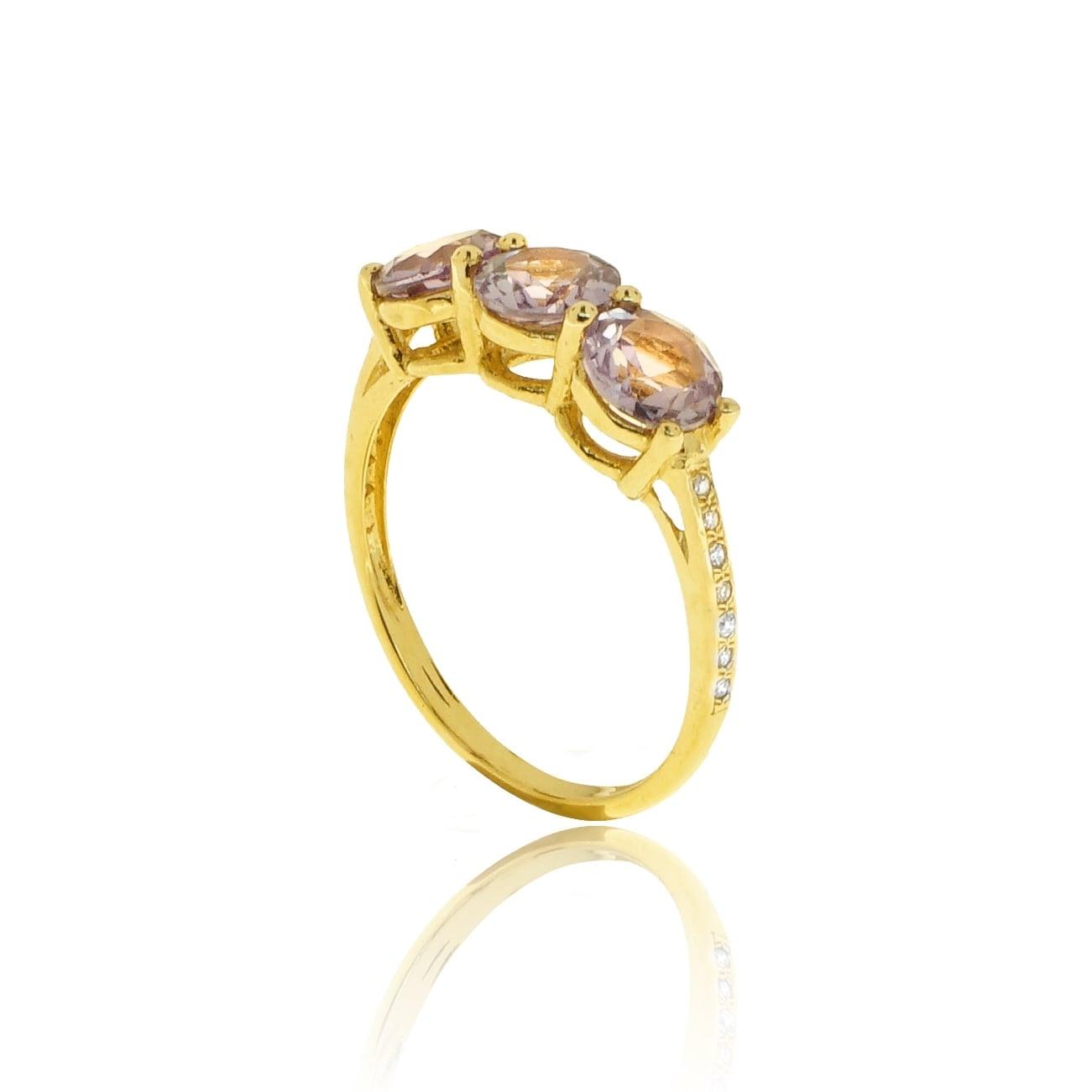 טבעת אמטיסט שלוש אבנים ויהלומים בזהב 14 קרט