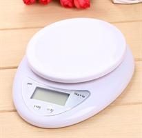 """משקל דיגיטלי למטבח עד 5 ק""""ג"""