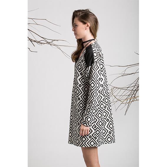 שמלת לוטוס גיאומטרי שילוב קדמי