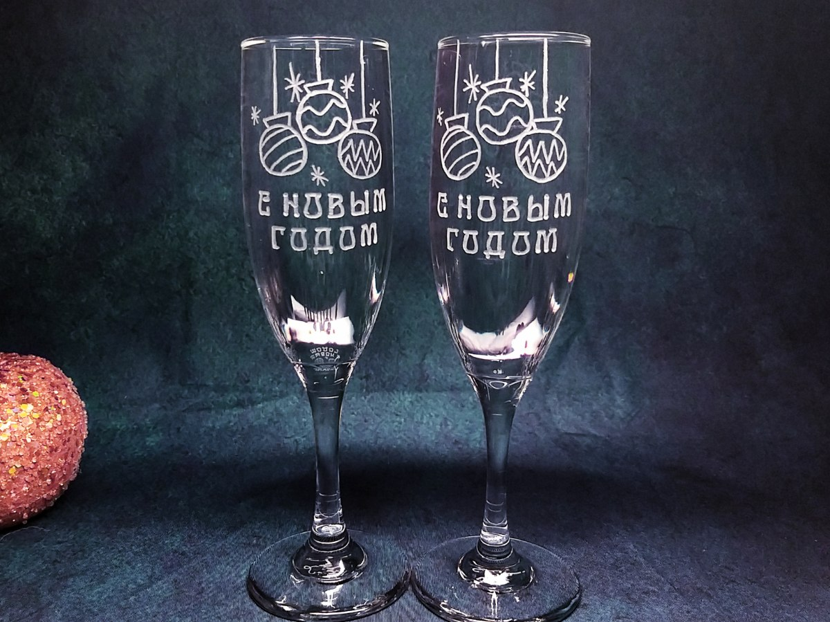 כוסות שמפניה עם חריטה