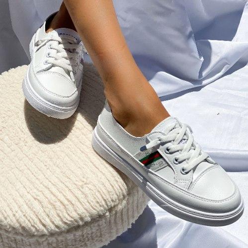 נעלי סניקרס לנשים - וויסקונסן