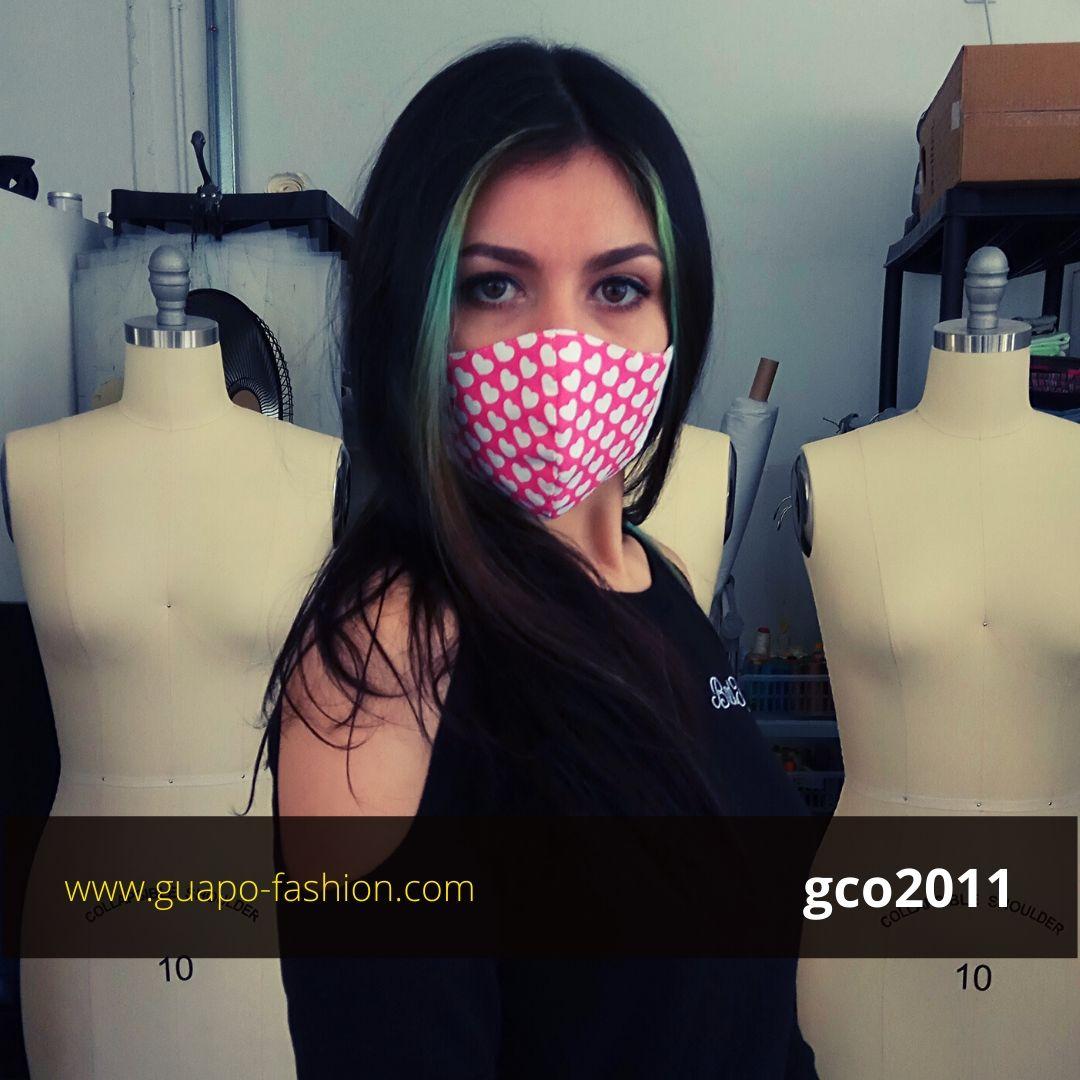 מסכת בד מעוצבת - לבבות face mask