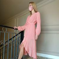 שמלת מעטפת אפרסק + מסכת SILK FLOWER מתנה