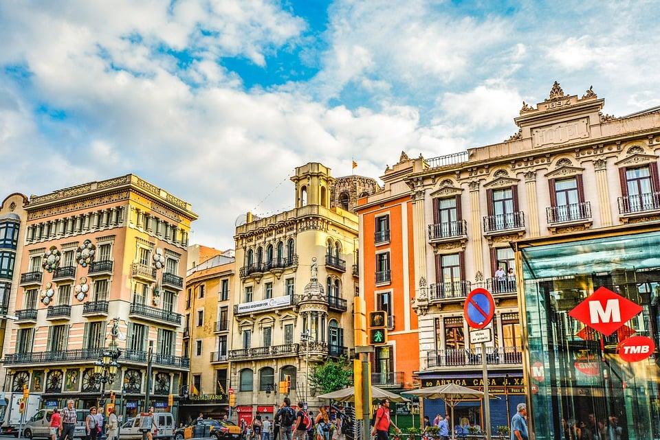 ברצלונה - מדריך דובר עברית
