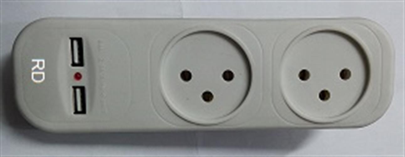 מפצל חשמל עם USB