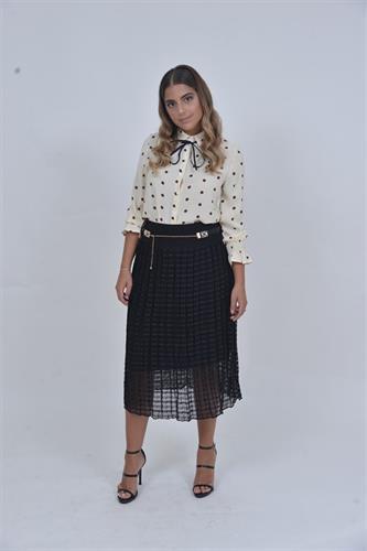 חצאית שיק ואקססוריז