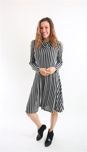 שמלת גלי פסים שחור