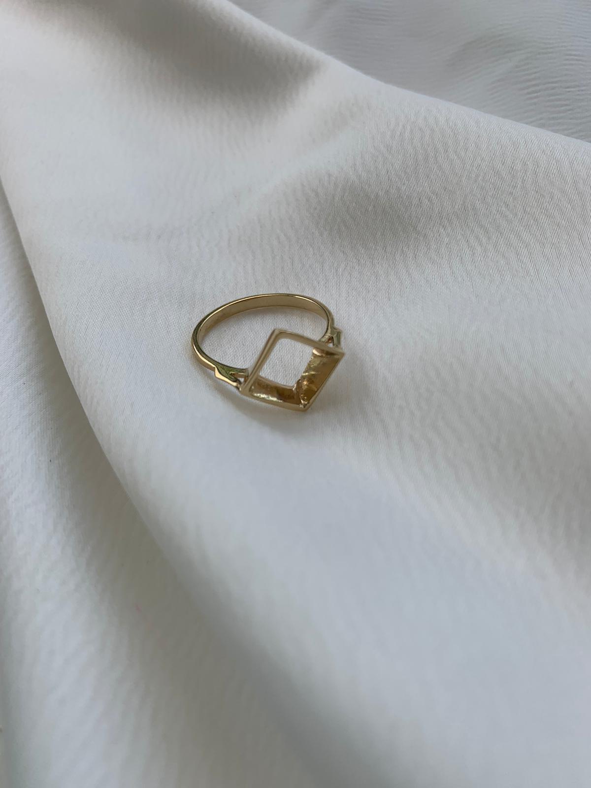 טבעת ריבוע סמפל