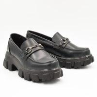 נעל בריאלה