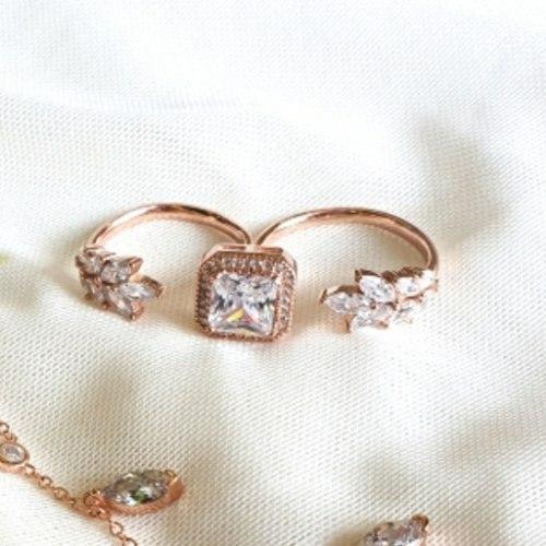 טבעת כפולה ריבוע ועלים- זהב אדום