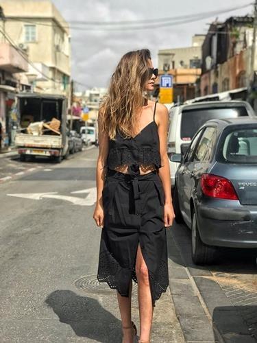 חצאית קאטי שחורה