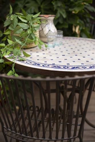 שולחן מוזאיקה כחול בז'