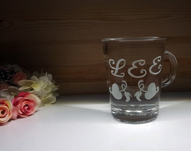 זו הכוס של LEE