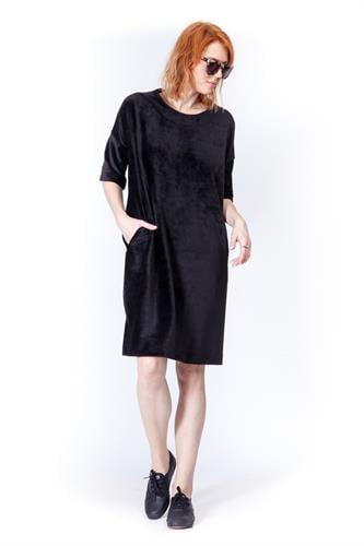שמלת וולווט שחור