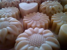 סבון חלב ודבש בניחוח למון גראס - בצורת פרח גדול