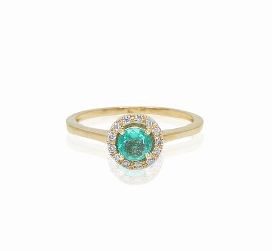 טבעת זהב עם אמרלד ויהלומים