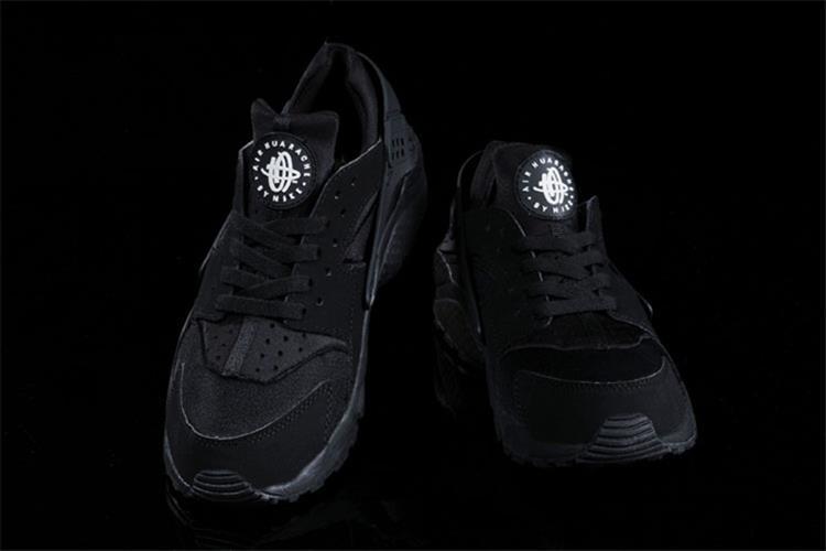 נעלי ספורט Nike Air Huarache Black  מידות 40-46 לגברים