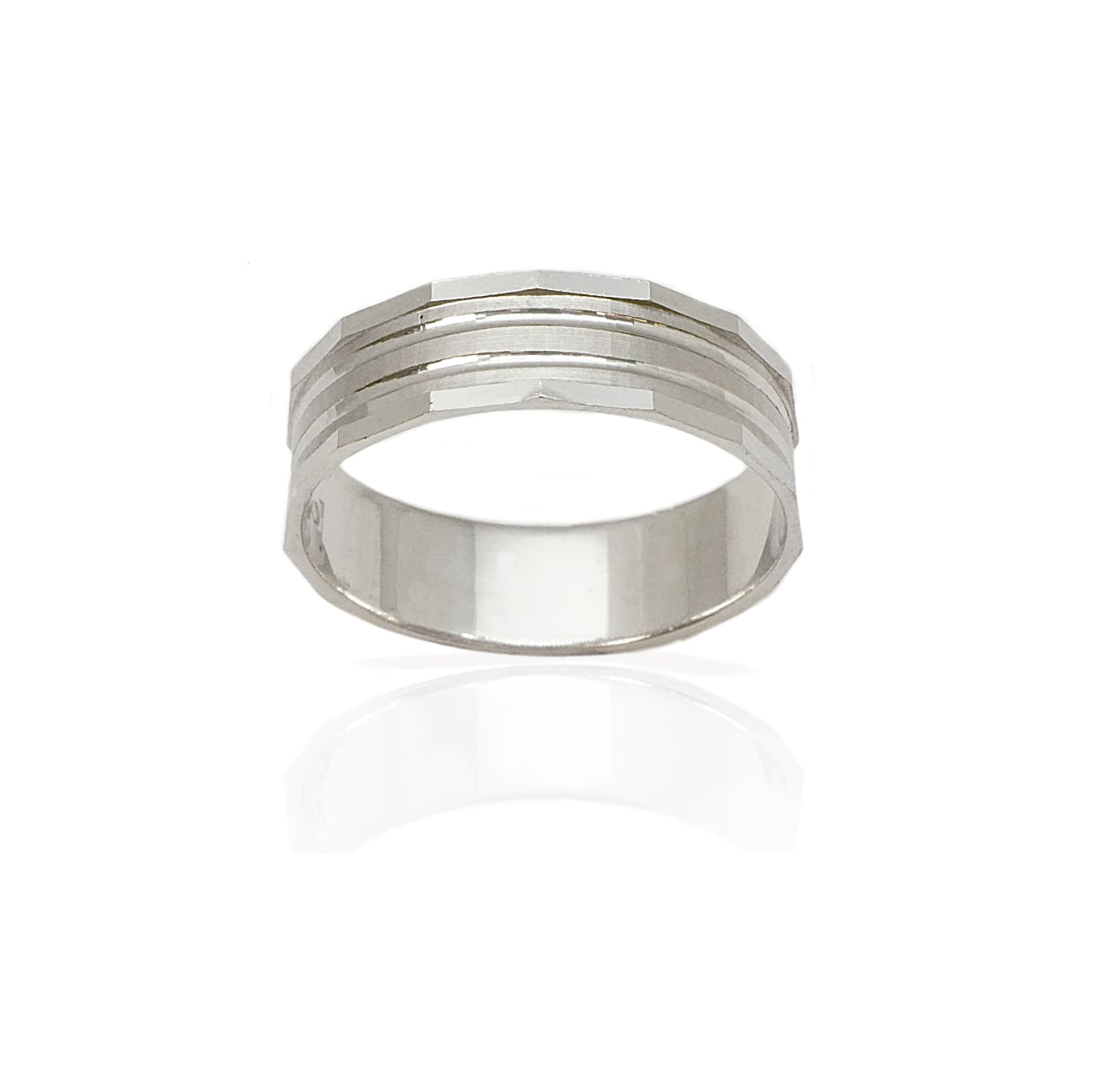 טבעת נישואין בשילובי טקסטורות מאט מוטות ופסים מבריקים- דגם M157