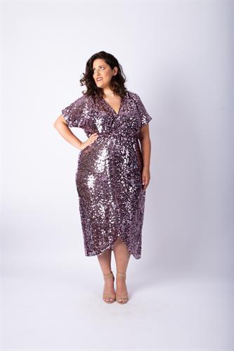 שמלת לורנה פייטים סגולה