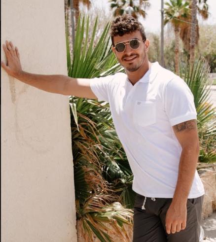חולצת צווארון פולו לבנה