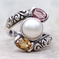 טבעת כסף משובצת פנינה, סיטרין וגארנט ורוד RG6875