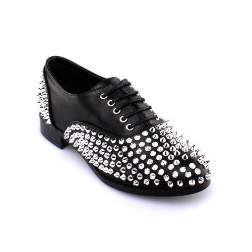 נעל ניטים דרבי