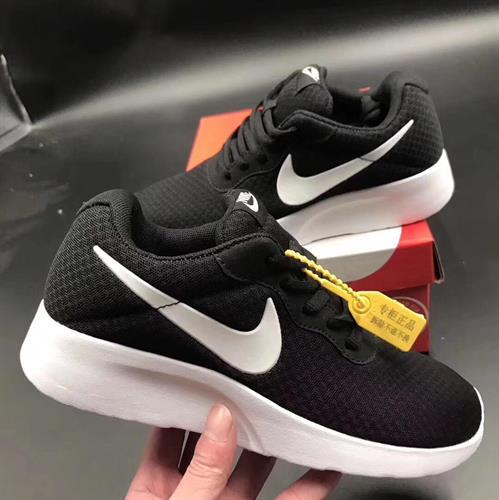 נעלי נייק 2019
