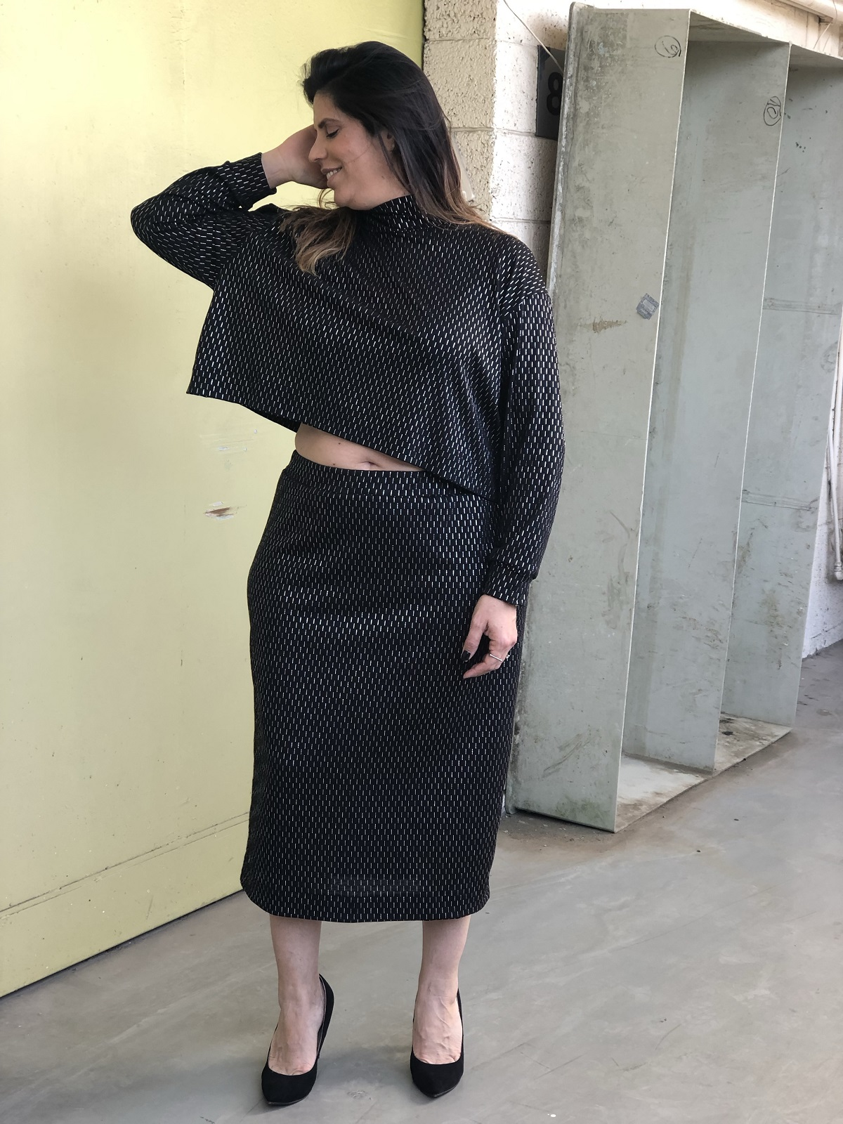 חצאית עיפרון שחור כסף