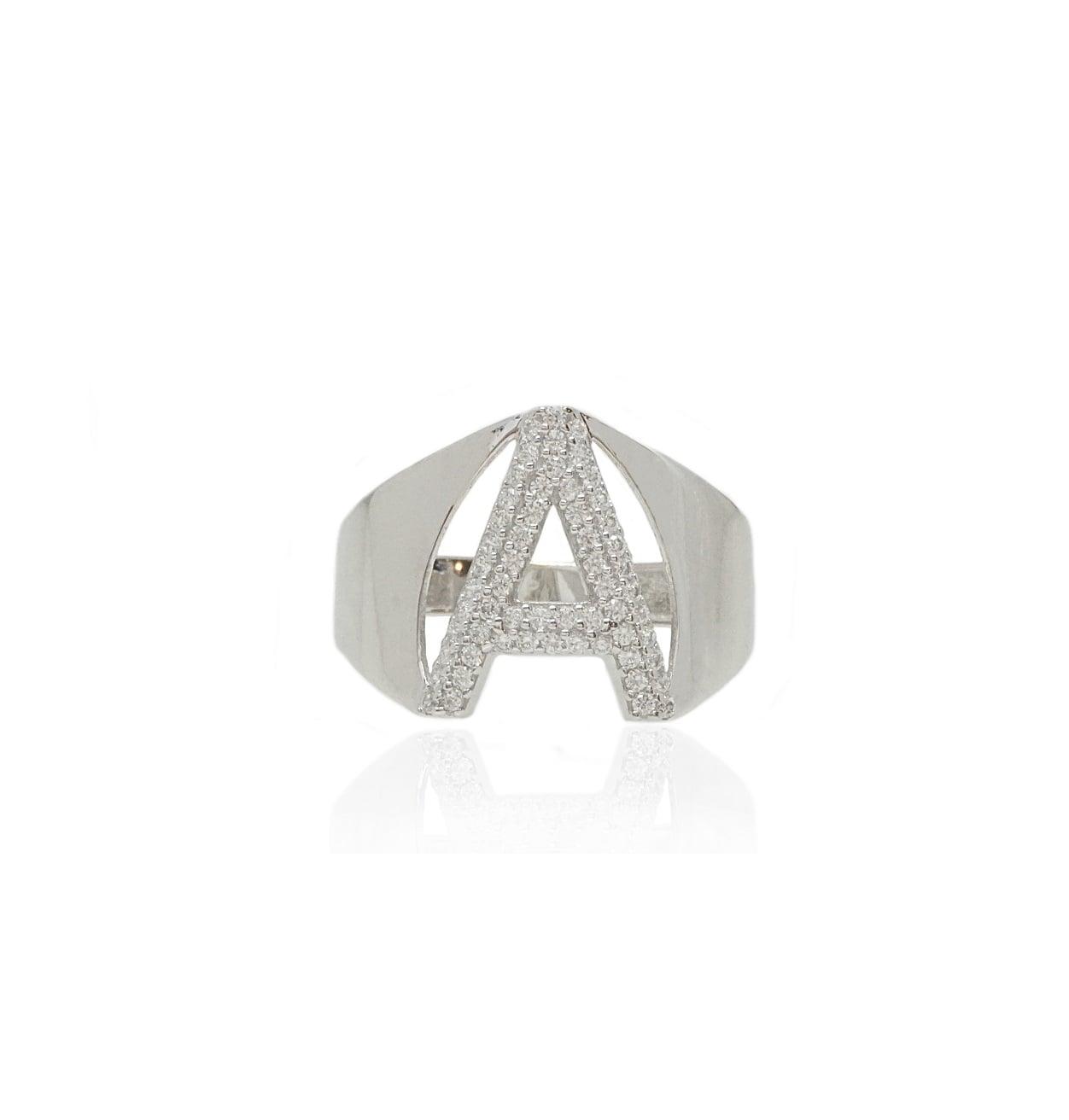 טבעת חותם עם אות וזרקונים