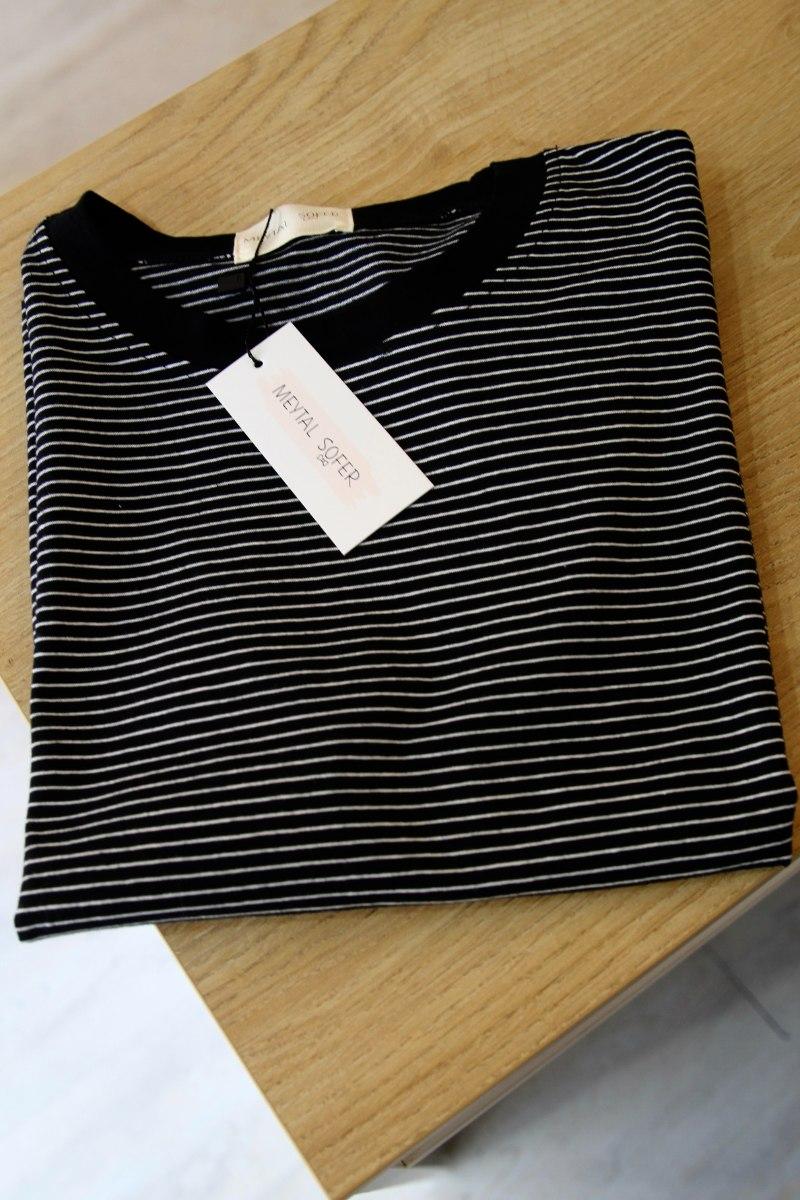 חולצת פס שחור