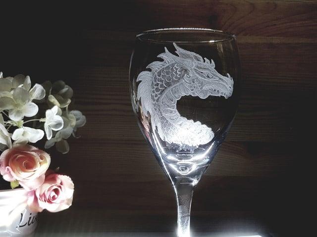 דרקון היין הזקן והחכם