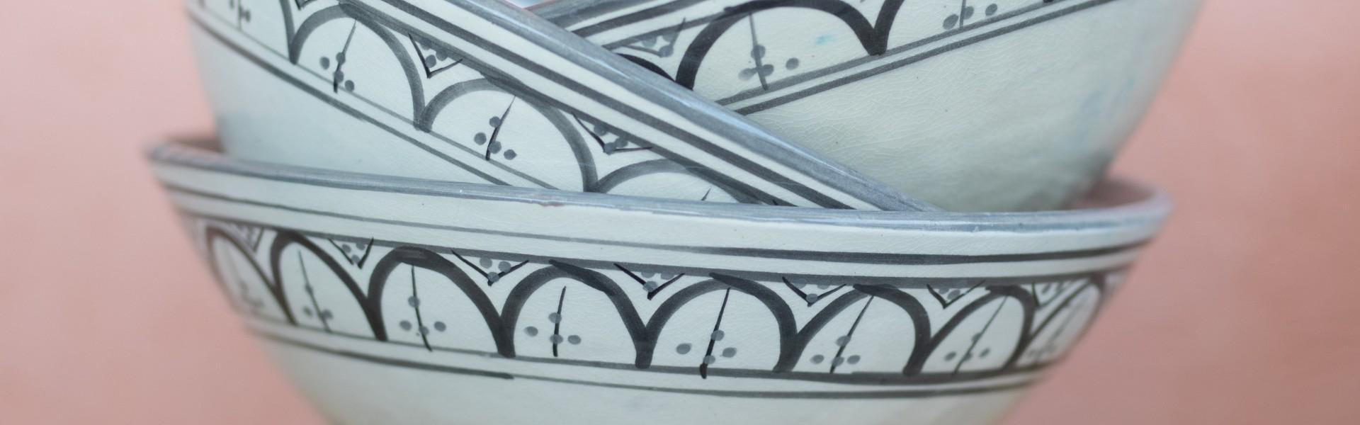 כלים אפור לבן - פנטזיה מרוקאית