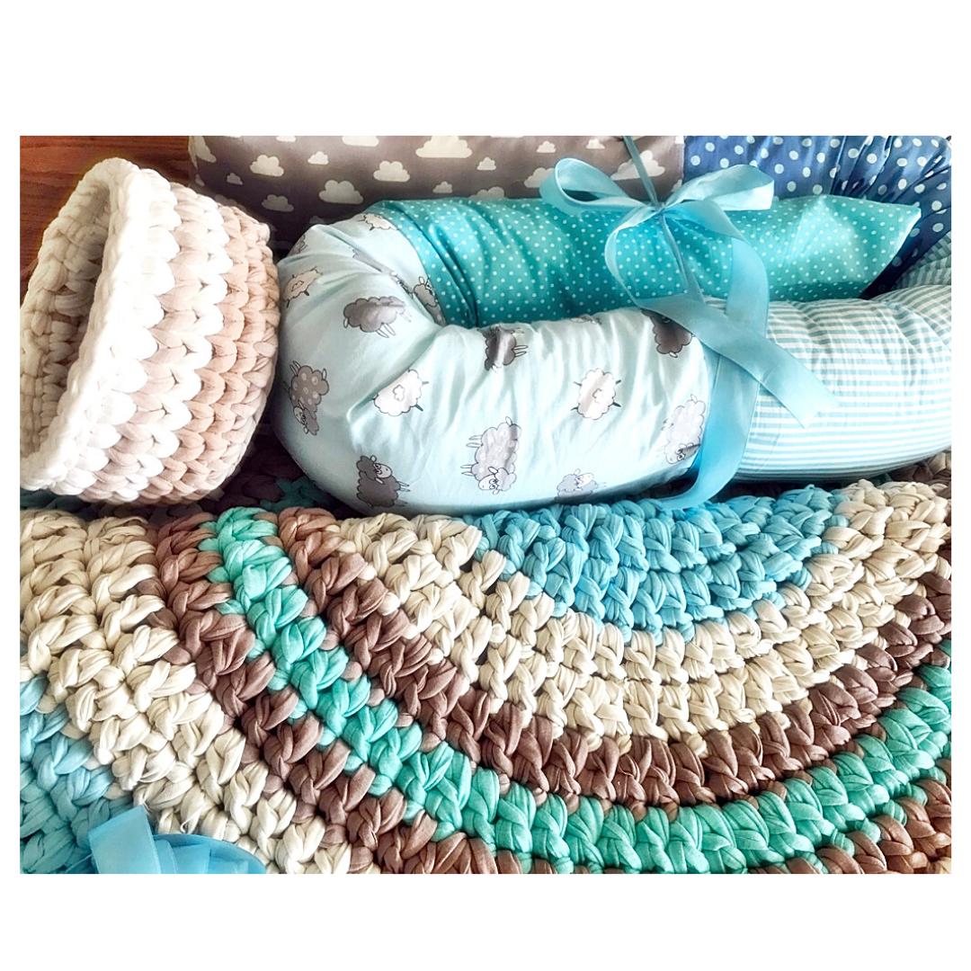 עיצוב חדר ילדים, שטיח סרוג סלסלה ונחשוש בסט לעיצוב חדר ילדים, שטיחים סרוגים, נחשוש, סלסלת איחסון, סלסלה סרוגה לשידת החתלה