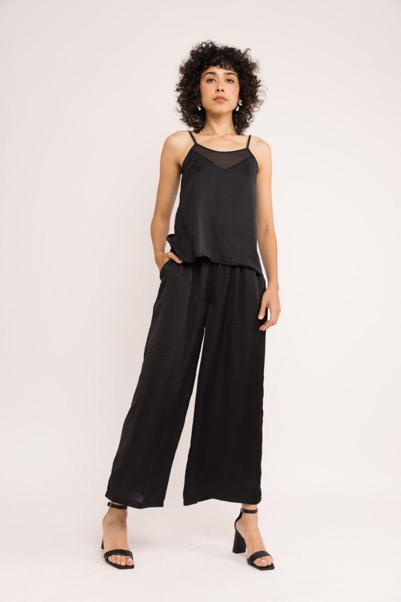 סט מכנסי מדו + גופיית ריינון - שחור