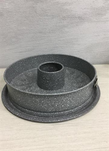 תבנית לעוגה 3 חלקים עם חור  עם קפיץ של נעמן פורצלן