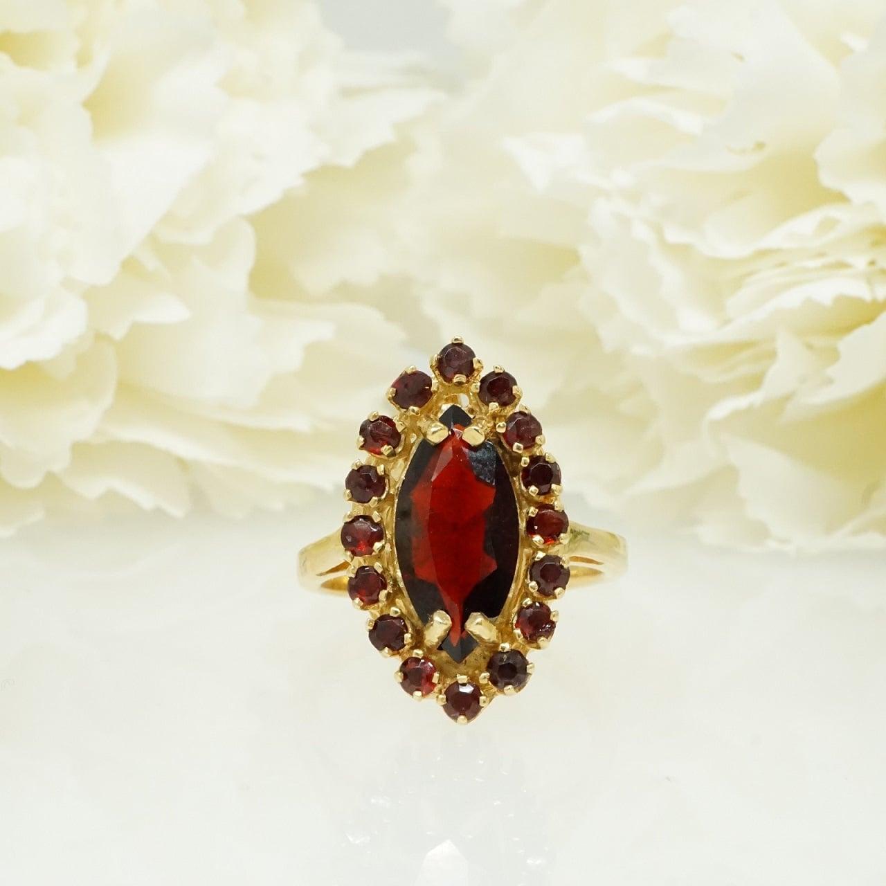טבעת זהב עם אבן גרנט מרקיזה בעיצוב וינטאג'