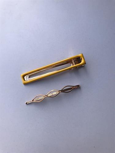 זוג סיכות חלקות בשילוב צבע-צהוב