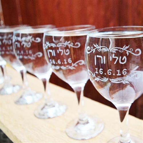 6 כוסות חתונה עם חריטה אישית להורים ולכלה והחתן