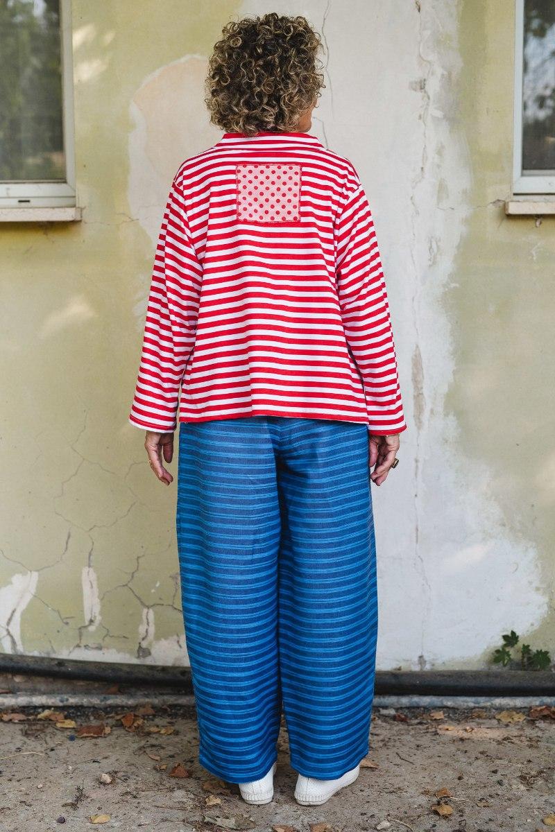 חולצות מדגם איה עם דוגמה של פסים לרוחב בצבע אדום ולבן