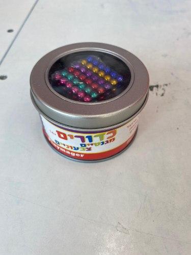 כדורים מגנטים צבעוני