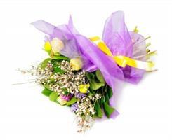 זר עשיר בפרחי בר לכל אירוע