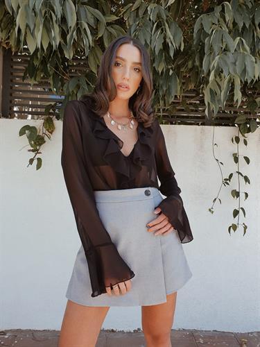 חולצת שיפון וולאן - שחורה