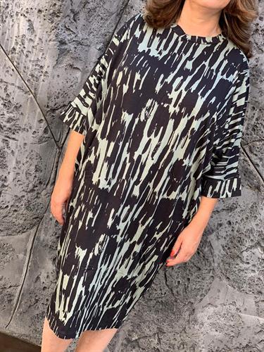 שמלה עטלף דפוס שילוב אבן
