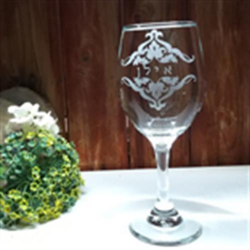 כוס יין אישית ומעוטרת