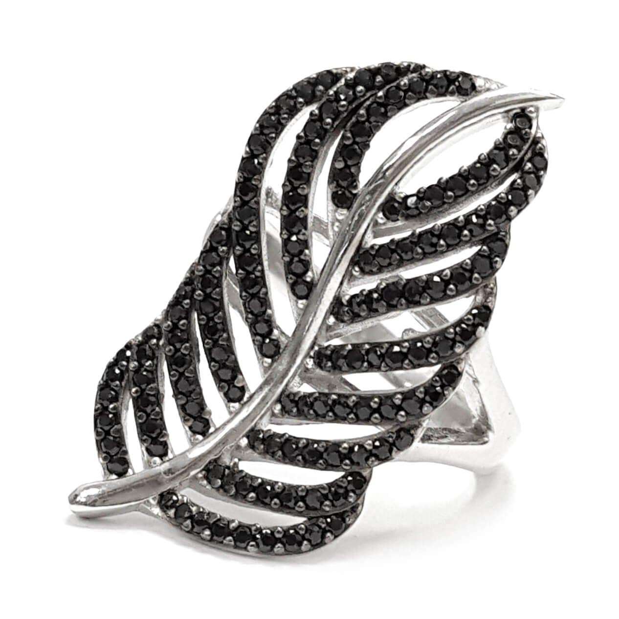 """טבעת כסף דגם """"נוצה"""" משובצת אבני זרקון שחורות RG1554"""