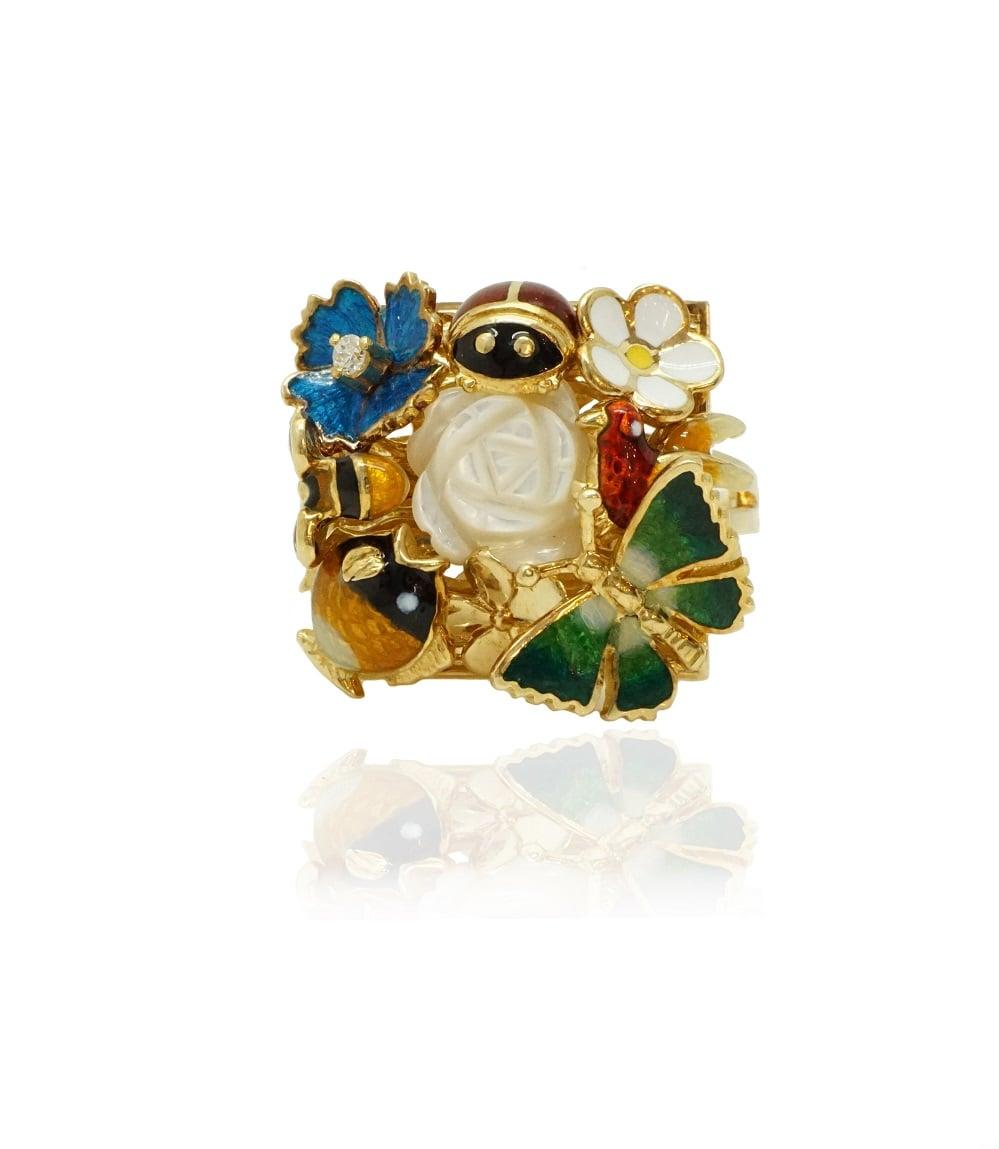 טבעת זהב לאישה עם זרקון ומלאת נוכחות