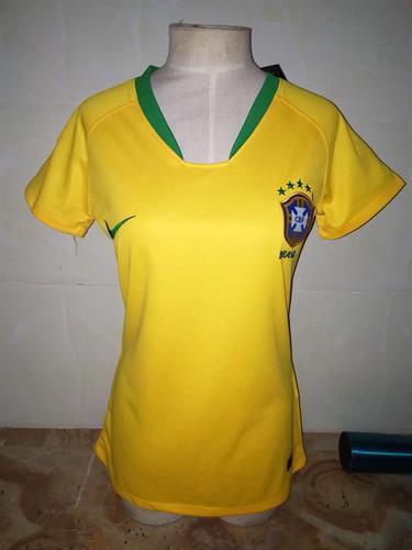 חולצת נשים ברזיל