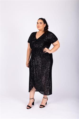 שמלת פייטים שחורה