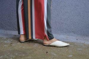 מכנסיים באורך 7/8 מדגם נועה עם פסים לאורך